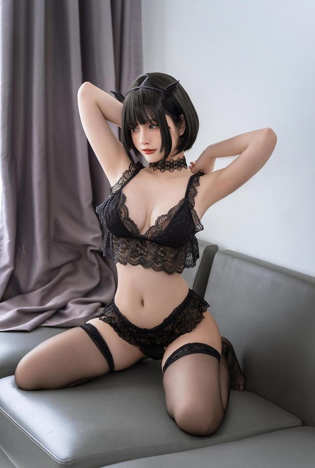 Ngắm nàng Azami trong trang phục nội y ren vô cùng gợi cảm  - ảnh 5