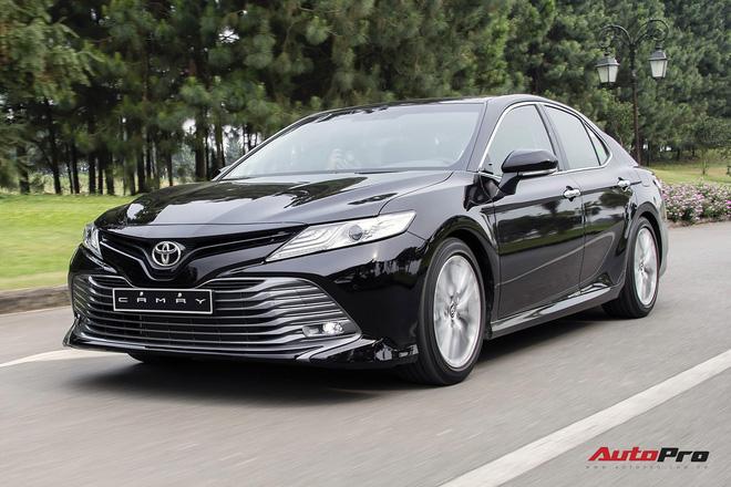 Kia K5 vs Toyota Camry: Xe Hàn rẻ, nhiều ''option'', nhưng khó bán chạy hơn xe Nhật - ảnh 2