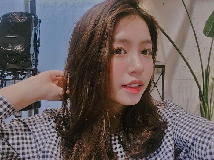 Từ ngọt ngào, cựu hot girl Hà thành bất ngờ gợi cảm bỏng mắt - ảnh 2