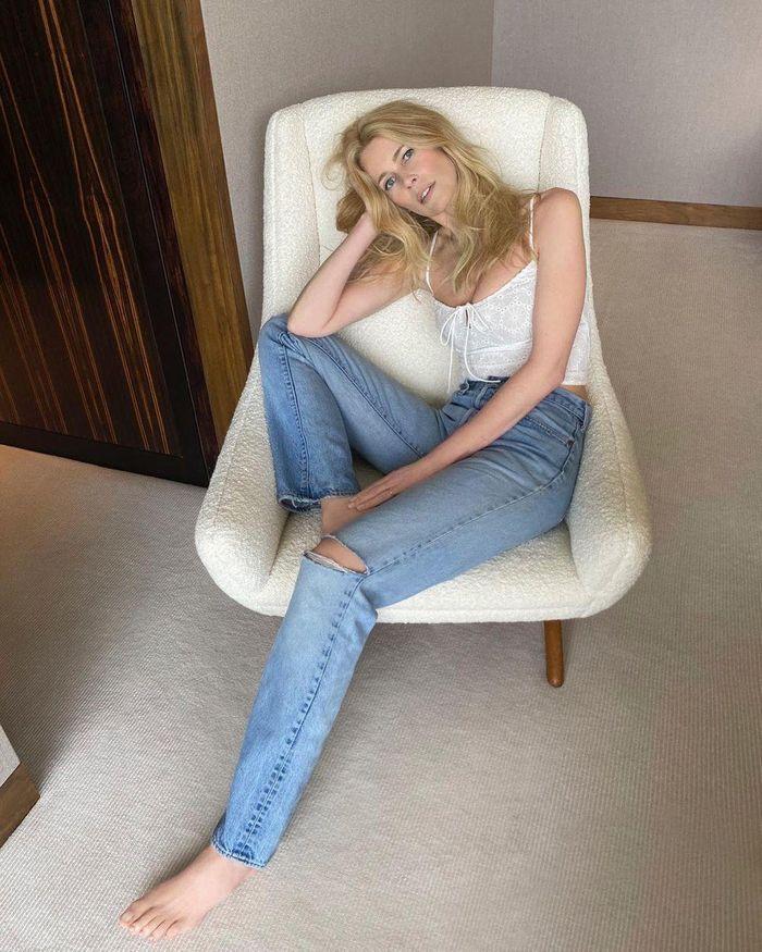 Tuổi 51, siêu mẫu đỉnh cao một thời Claudia Schiffer giờ ra sao? - ảnh 16