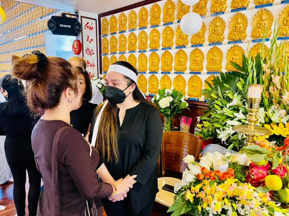 Đám tang Phi Nhung ở Mỹ: Thúy Nga quyết định làm điều đặc biệt cho người quá cố - ảnh 4