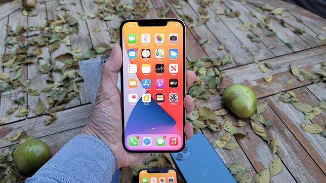 iPhone 12 đồng loạt giảm giá mạnh, dọn sân cho iPhone 13 về nước - ảnh 2