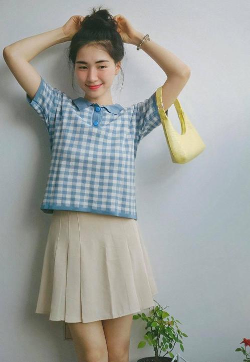 Hòa Minzy mặc đẹp với đồ hơn 100 nghìn đồng - ảnh 4