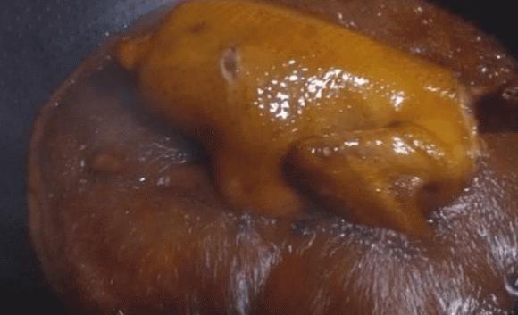 Công thức làm món gà sốt xì dầu có da giòn, thịt mềm, vị thơm béo, trẻ em ăn một mình hết nửa con - ảnh 4