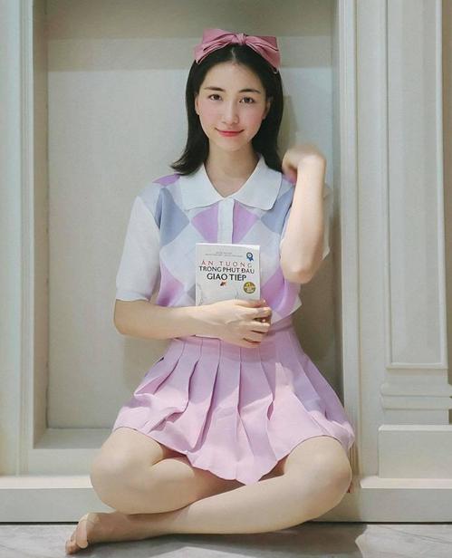Hòa Minzy mặc đẹp với đồ hơn 100 nghìn đồng - ảnh 5