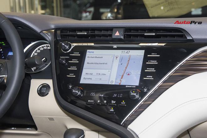 Kia K5 vs Toyota Camry: Xe Hàn rẻ, nhiều ''option'', nhưng khó bán chạy hơn xe Nhật - ảnh 10