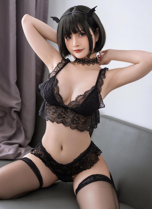 Ngắm nàng Azami trong trang phục nội y ren vô cùng gợi cảm  - ảnh 6