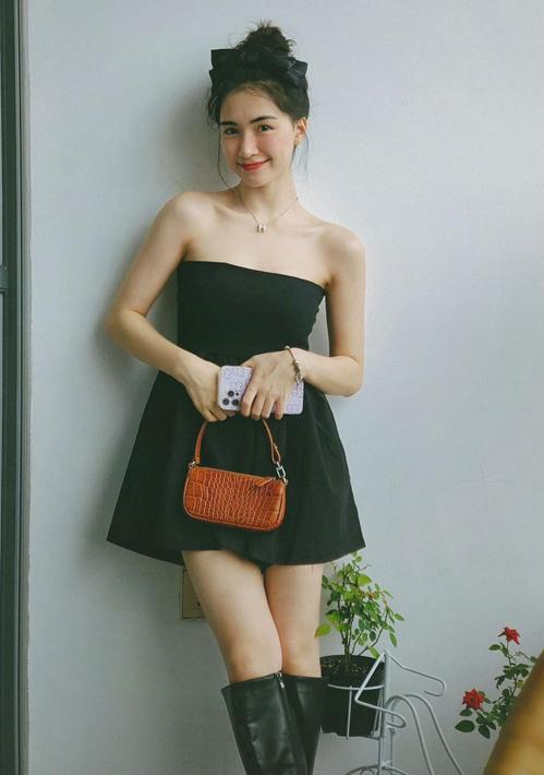 Hòa Minzy mặc đẹp với đồ hơn 100 nghìn đồng - ảnh 7
