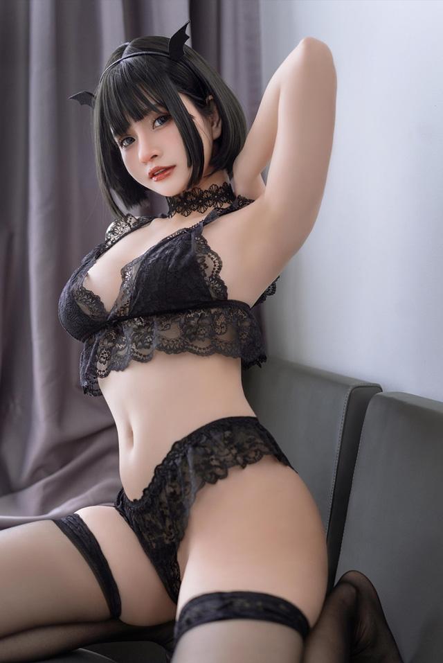 Ngắm nàng Azami trong trang phục nội y ren vô cùng gợi cảm  - ảnh 4