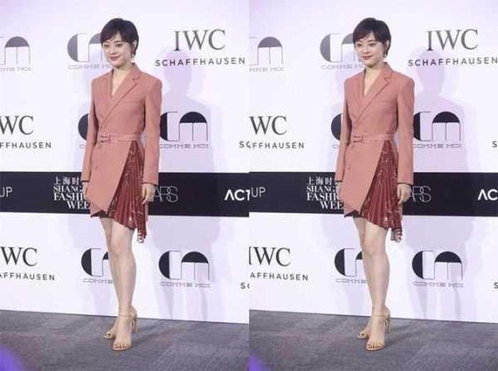 Gừng càng già càng cay: U40 Tôn Lệ khoe vẻ trẻ trung với thiết kế váy suit - ảnh 2
