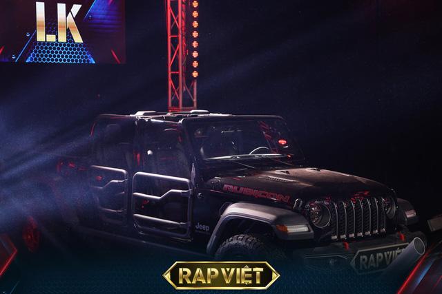 Soi dàn xe ''chống lưng'' giám khảo Rap Việt mùa 2: Toàn xe tiền tỷ đến từ Mỹ, có mẫu đắt như Mercedes-Benz S-Class - ảnh 5