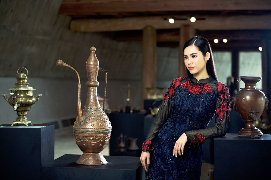 Á hậu Hoàng My, Ngọc Trân đẹp tựa đóa quỳnh nở muộn - ảnh 8