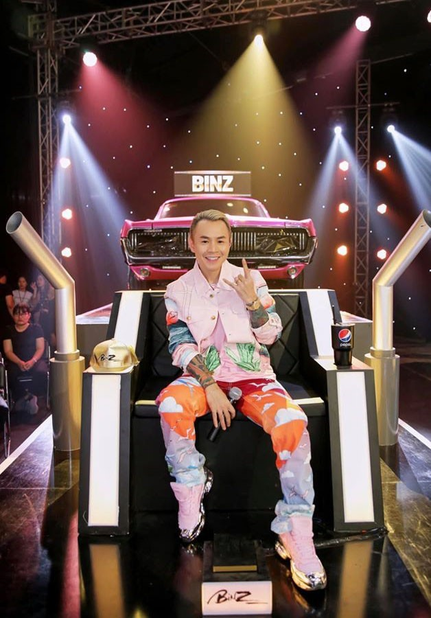 Soi dàn xe ''chống lưng'' giám khảo Rap Việt mùa 2: Toàn xe tiền tỷ đến từ Mỹ, có mẫu đắt như Mercedes-Benz S-Class - ảnh 6
