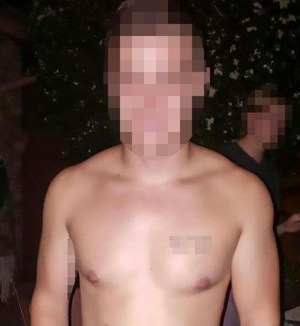 Con gái ở nhà 1 mình, bố mẹ về nhà chết lặng khi phát hiện thanh niên khỏa thân trong nhà vệ sinh - ảnh 3