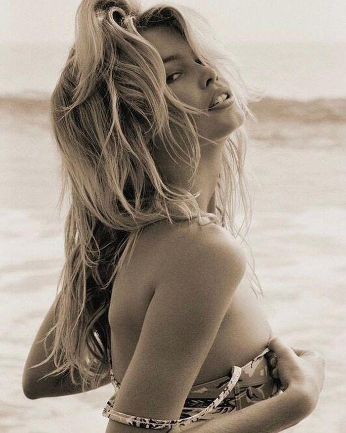 Tuổi 51, siêu mẫu đỉnh cao một thời Claudia Schiffer giờ ra sao? - ảnh 9
