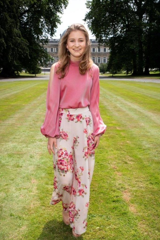 Hòa Minzy mặc đẹp với đồ hơn 100 nghìn đồng - ảnh 18