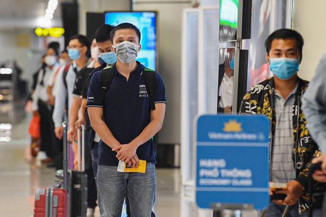 """""""Combo cách ly"""" hơn 112 triệu/người cho hành khách từ TP.HCM, Đà Nẵng đến Hà Nội và thông tin chính thức gây bất ngờ - Kinh Tế"""