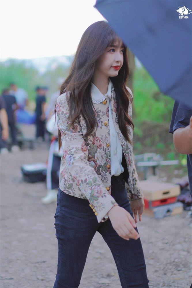 Ngu Thư Hân hết cosplay Jennie lại đến học lỏm Lisa y như con vẹt - ảnh 3