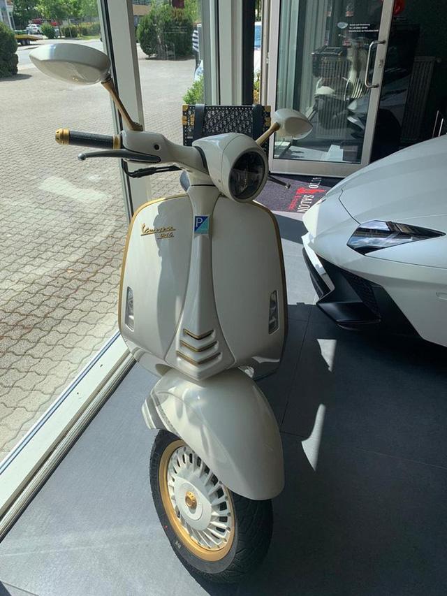 Vespa 946 Christian Dior chốt giá hơn 600-700 triệu tại Việt Nam: Đi kèm phụ kiện Dior sang chảnh, đắt hơn cả Kia K3 mới ra mắt - ảnh 3