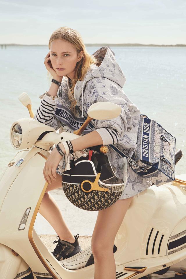 Vespa 946 Christian Dior chốt giá hơn 600-700 triệu tại Việt Nam: Đi kèm phụ kiện Dior sang chảnh, đắt hơn cả Kia K3 mới ra mắt - ảnh 7