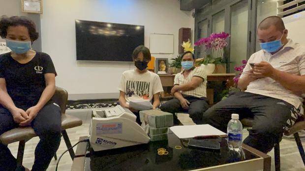 Cụ thể các khoản tiền Hồ Văn Cường nhận được khi rời khỏi nhà cố ca sĩ Phi Nhung là bao nhiêu? - ảnh 2