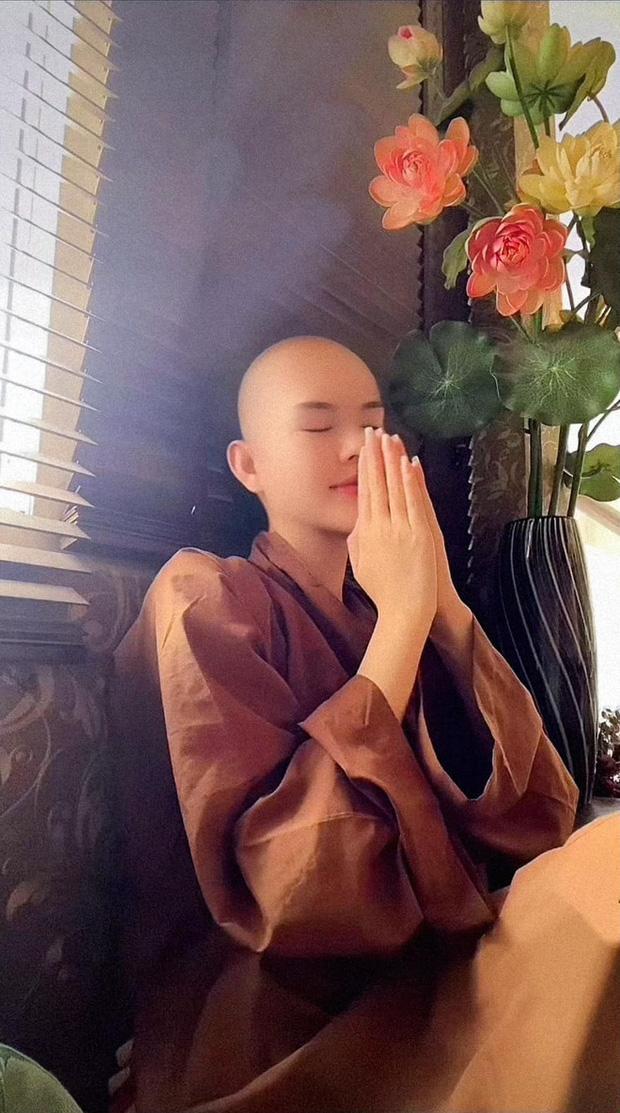 Ngọc Trinh tiết lộ từng sử dụng thuốc ngủ nhiều lần, phải nối tóc để tham gia phim mới sau lùm xùm tình ái - ảnh 4