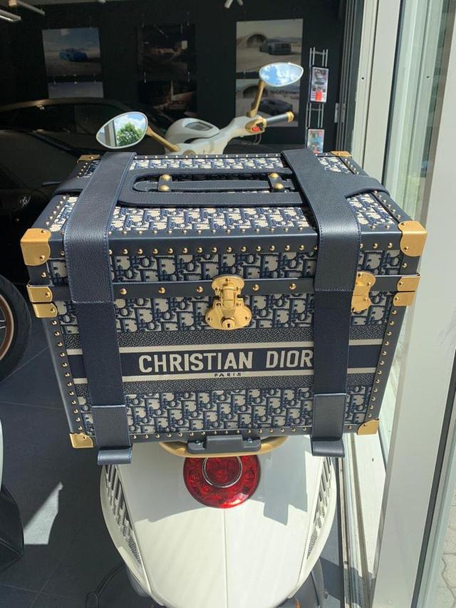 Vespa 946 Christian Dior chốt giá hơn 600-700 triệu tại Việt Nam: Đi kèm phụ kiện Dior sang chảnh, đắt hơn cả Kia K3 mới ra mắt - ảnh 6