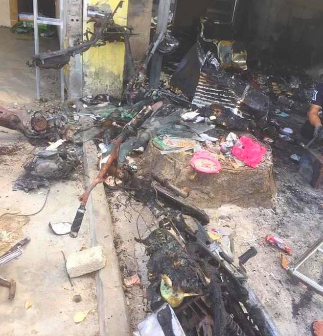 3 thanh niên ném bom xăng để dằn mặt khiến nữ chủ quán bỏng nặng, shop quần áo cháy rụi - ảnh 2