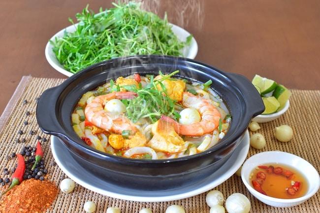 Món cháo ngon quên sầu nhưng ăn bằng đũa ở Quảng Trị - bạn có thể thưởng thức mà không cần đến tận nơi - ảnh 2
