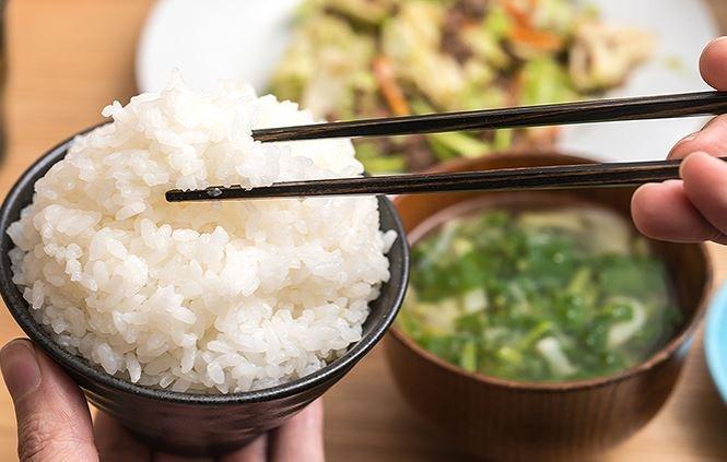 Ngày nào cũng ăn cơm nhưng ai cũng mắc sai lầm tai hại này! - ảnh 4