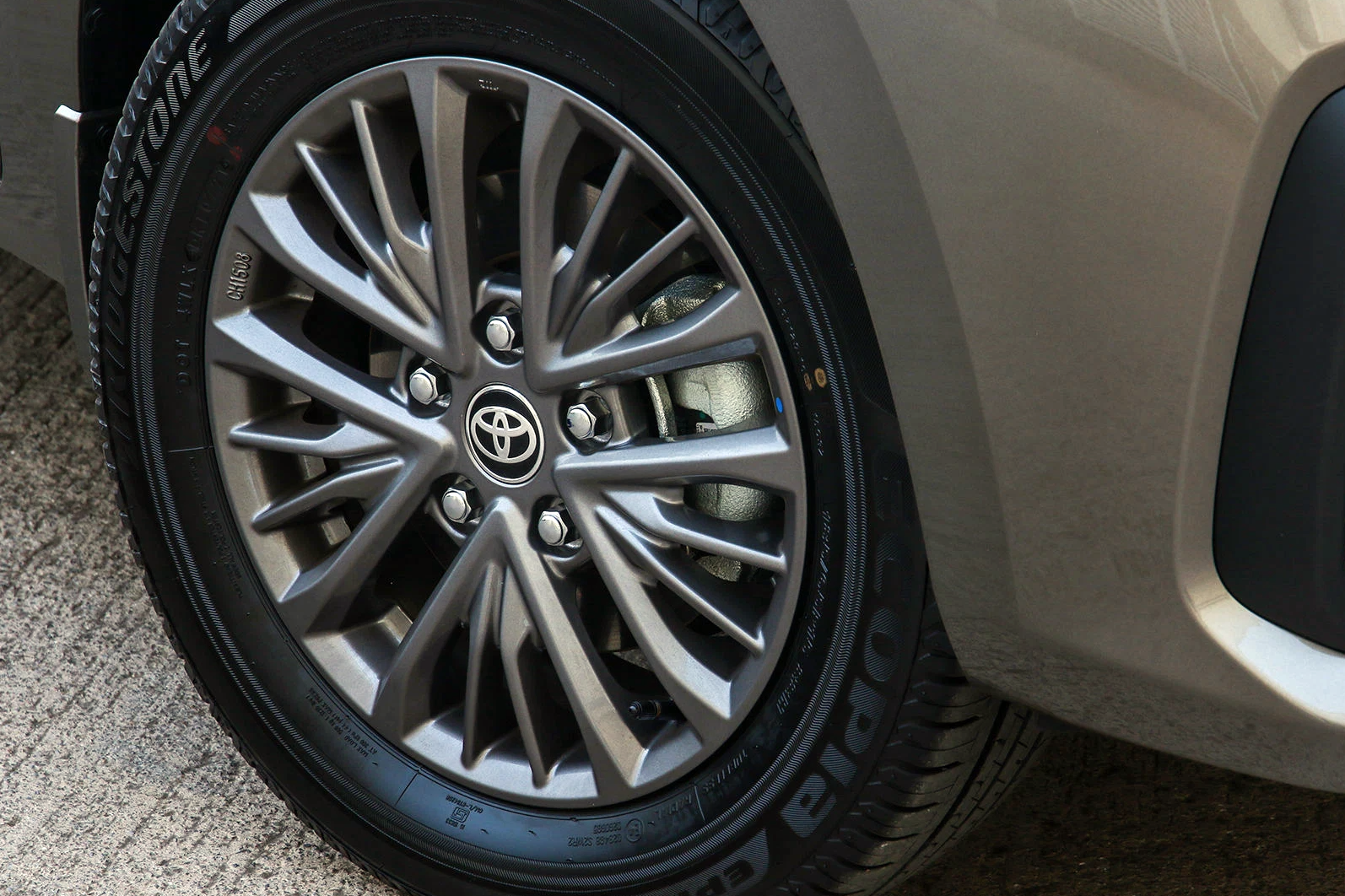 Toyota gắn logo lên Suzuki Ertiga, có giúp cả hai đổi vận? - ảnh 5