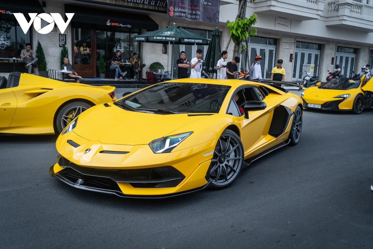 Siêu xe hàng hiếm lấy cảm hứng từ thiết kế của Ferrari - ảnh 18