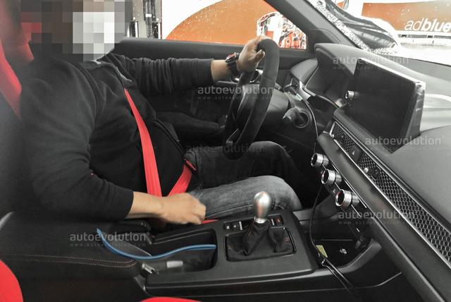 Phanh tay bên trong Honda Civic Type R 2022 gây tranh cãi: Hiện đại với người này nhưng bất tiện với người khác - ảnh 2
