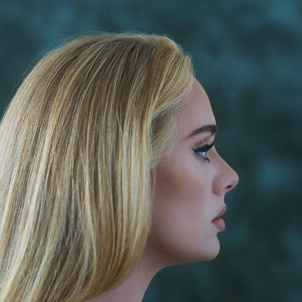 Adele tung bìa album đơn giản quá khiến fan than trời: Chị có thể