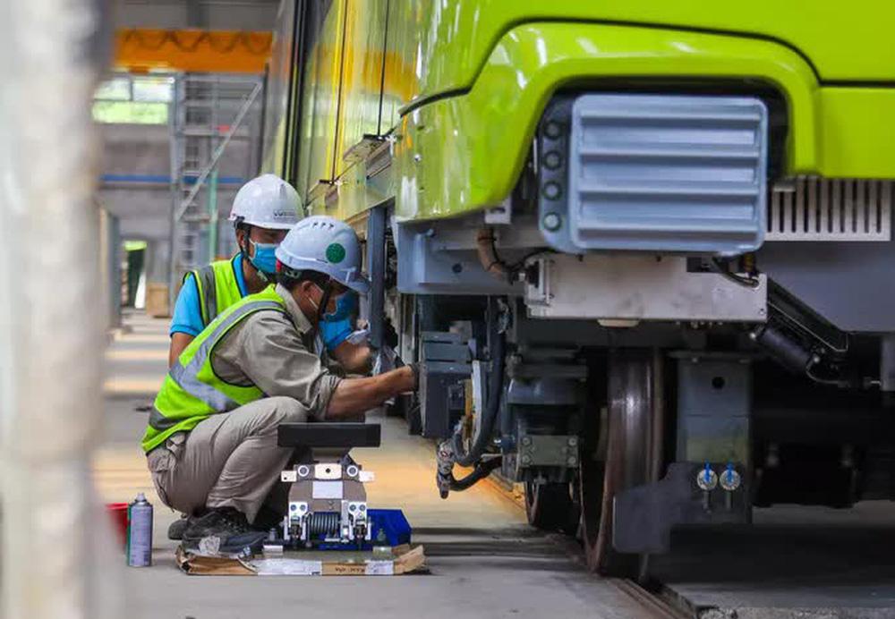 Cận cảnh 10 đoàn tàu tuyến Metro Nhổn - ga Hà Nội sẵn sàng chạy thử nghiệm - ảnh 7