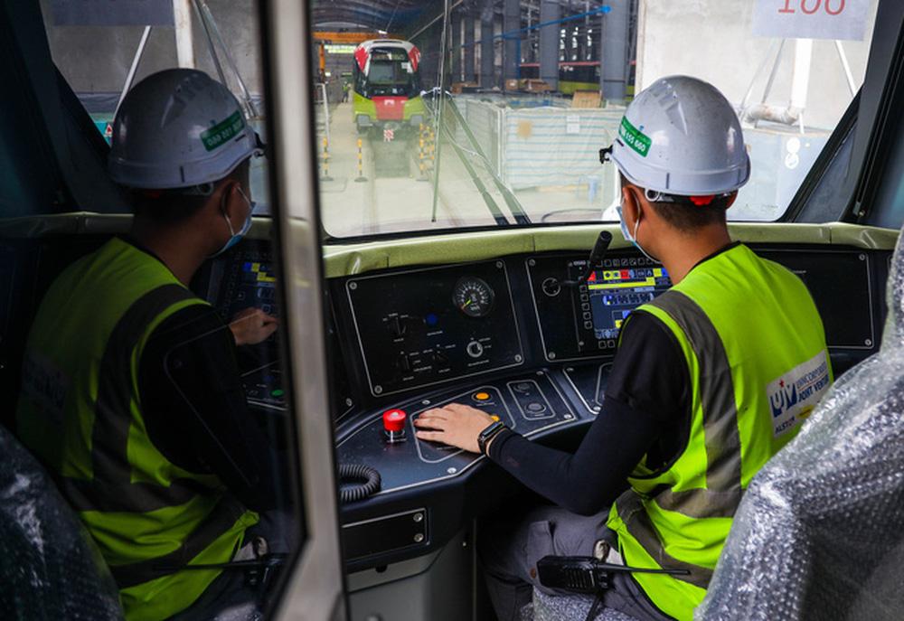 Cận cảnh 10 đoàn tàu tuyến Metro Nhổn - ga Hà Nội sẵn sàng chạy thử nghiệm - ảnh 5