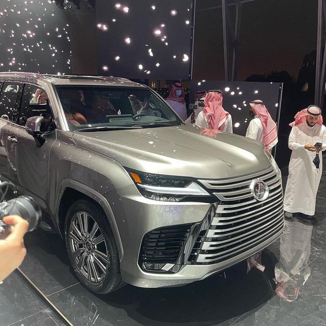 Ảnh thực tế đầu tiên của Lexus LX 600 2022: Đẹp và hầm hố hơn quảng cáo, sẽ về nước phục vụ đại gia Việt - ảnh 3
