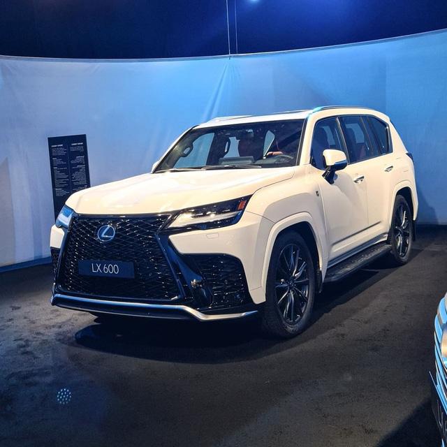 Ảnh thực tế đầu tiên của Lexus LX 600 2022: Đẹp và hầm hố hơn quảng cáo, sẽ về nước phục vụ đại gia Việt - ảnh 10