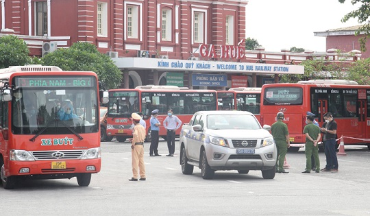 Thêm 600 công dân gặp khó khăn do dịch bệnh được về quê Thừa Thiên - Huế bằng tàu hỏa - ảnh 1