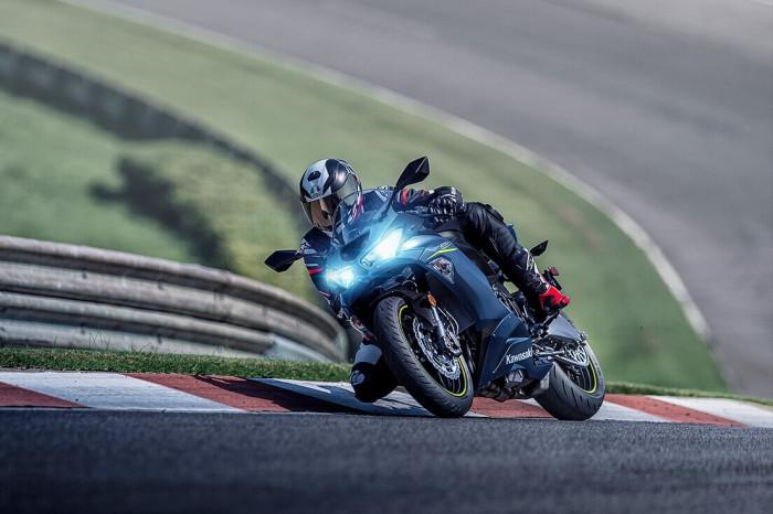 Mô tô thể thao Kawasaki Ninja ZX-6R 2022 ra mắt, giá 239 triệu đồng - ảnh 8