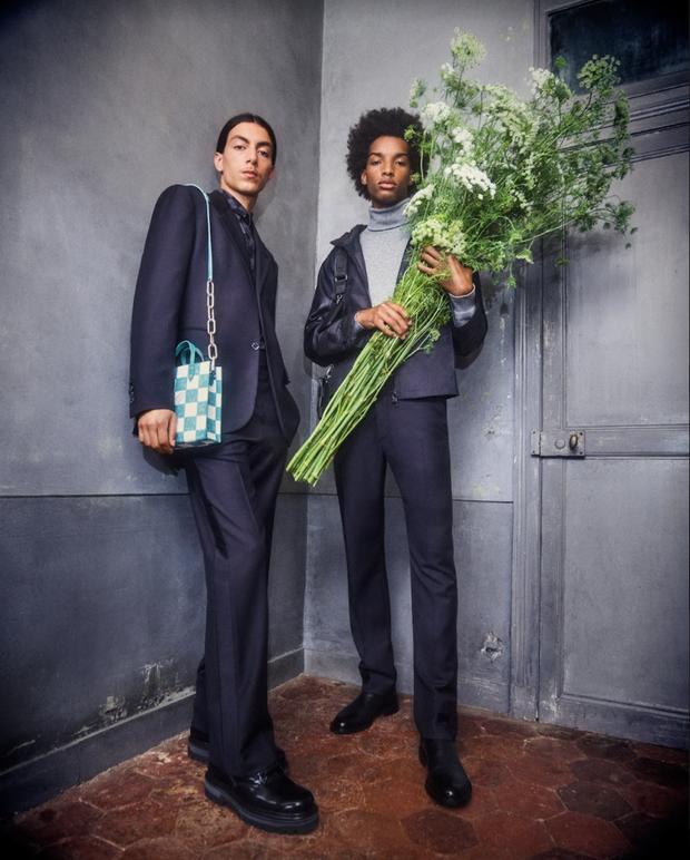 BST Louis Vuitton Mùa Thu 2021: Cảm hứng thời trang mạnh mẽ đến từ tấm thiệp hơn 100 năm trước - ảnh 7