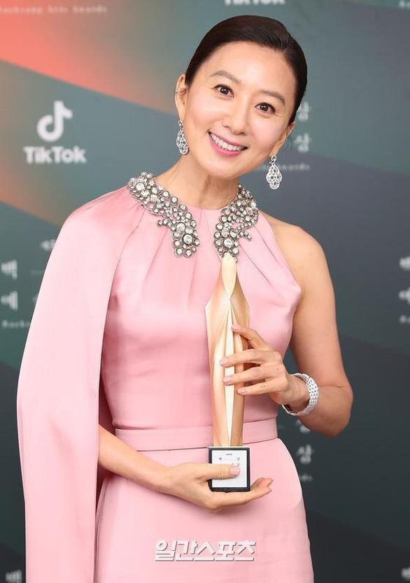 Ký sinh trùng và Khi hoa trà nở thắng đậm giải phim Baeksang Hàn Quốc - ảnh 6