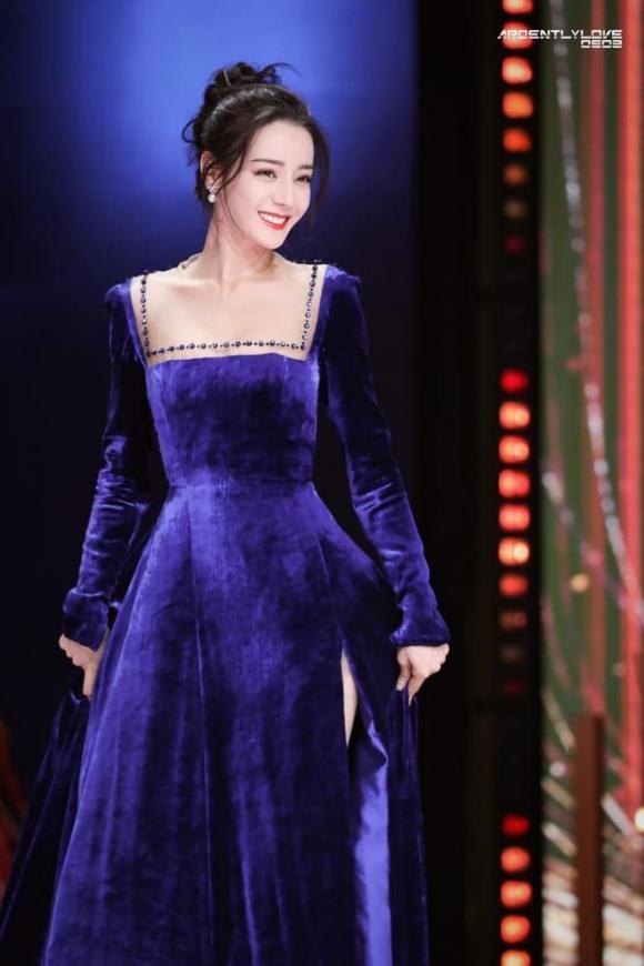 ''Mỹ nữ Tân Cương'' Địch Lệ Nhiệt Ba khoe vẻ đẹp nữ thần trên thảm đỏ, nhan sắc thế nào mà được so sánh với Phạm Băng Băng? - ảnh 15