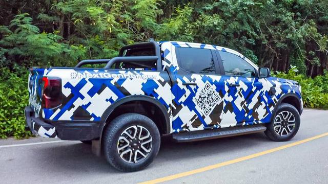 Ford Ranger 2022 lộ diện rõ nét trên đường phố: Như F-150 thu nhỏ, động cơ đồn đoán mạnh nhất phân khúc, sẽ sớm ra mắt tại Việt Nam - ảnh 4