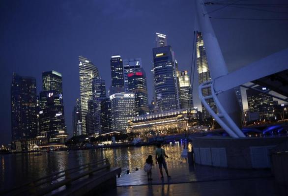 Các hãng điện Singapore có nguy cơ đóng cửa vì khủng hoảng năng lượng - ảnh 1
