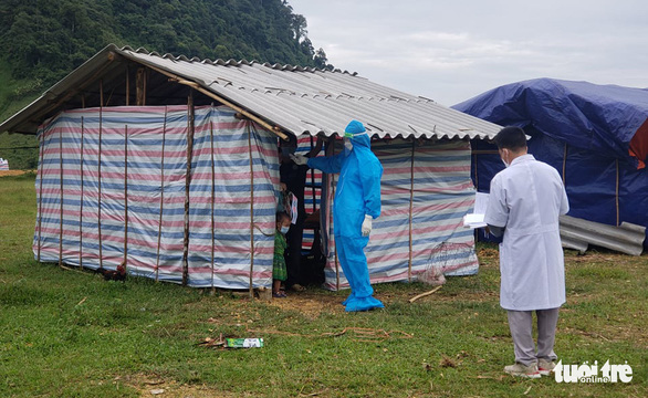 Bắc Trung Bộ cấp tập chống bão số 8, hỗ trợ người dân trên đường hồi hương - ảnh 2
