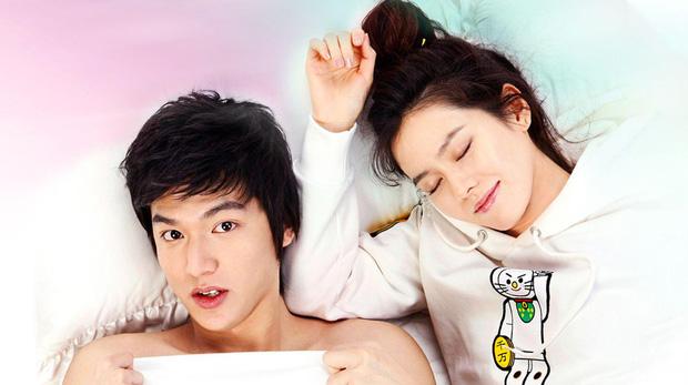Son Ye Jin - Lee Min Ho từng có cảnh giường chiếu nóng bỏng mắt, Hyun Bin xem lại chắc tức phát điên - ảnh 8