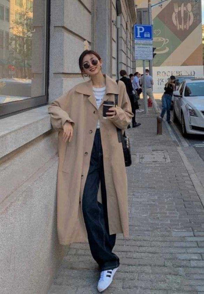Áo khoác gió mix giày thể thao: Sự kết hợp dành cho mùa lạnh, mặc lên đẹp như Angela Baby - ảnh 3