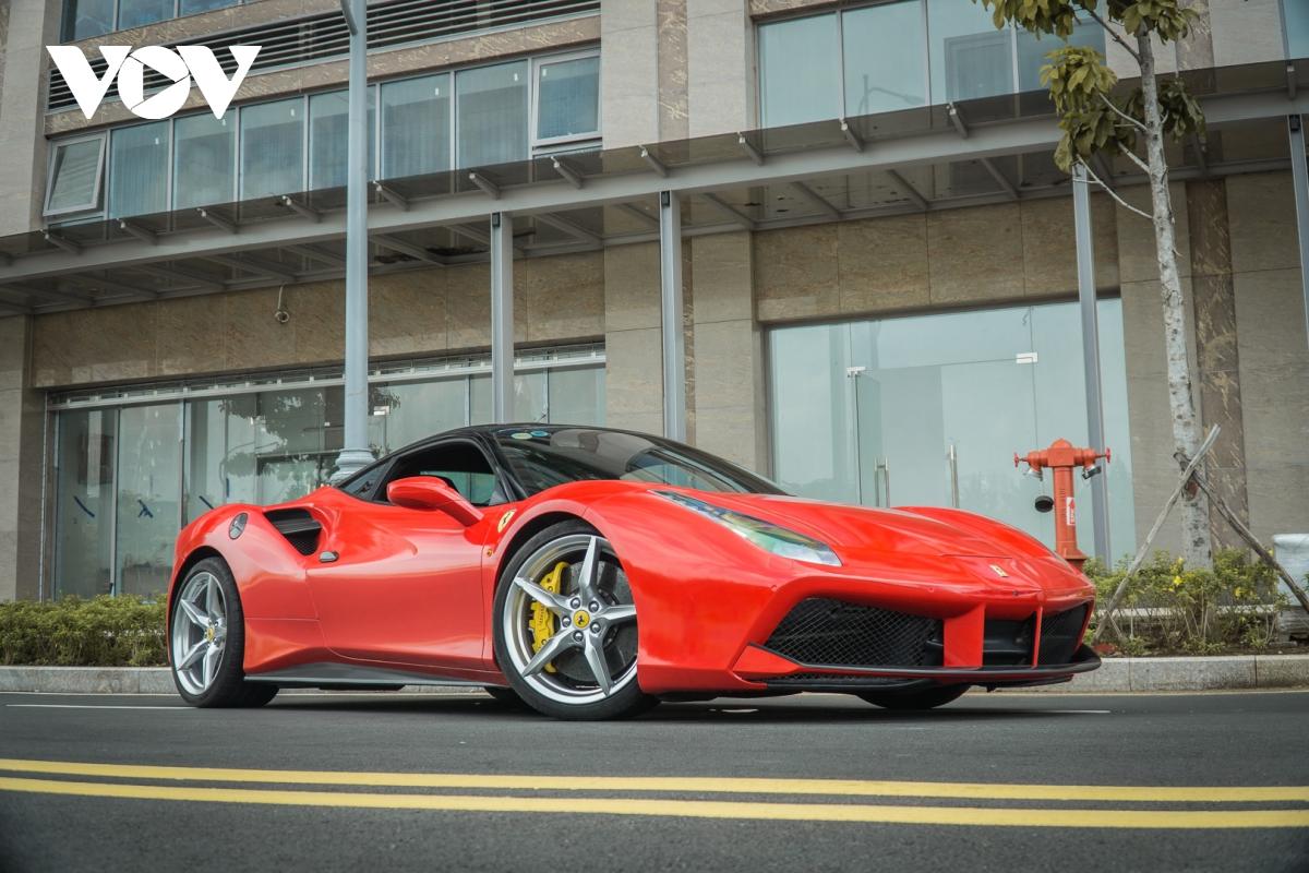Siêu xe hàng hiếm lấy cảm hứng từ thiết kế của Ferrari - ảnh 12