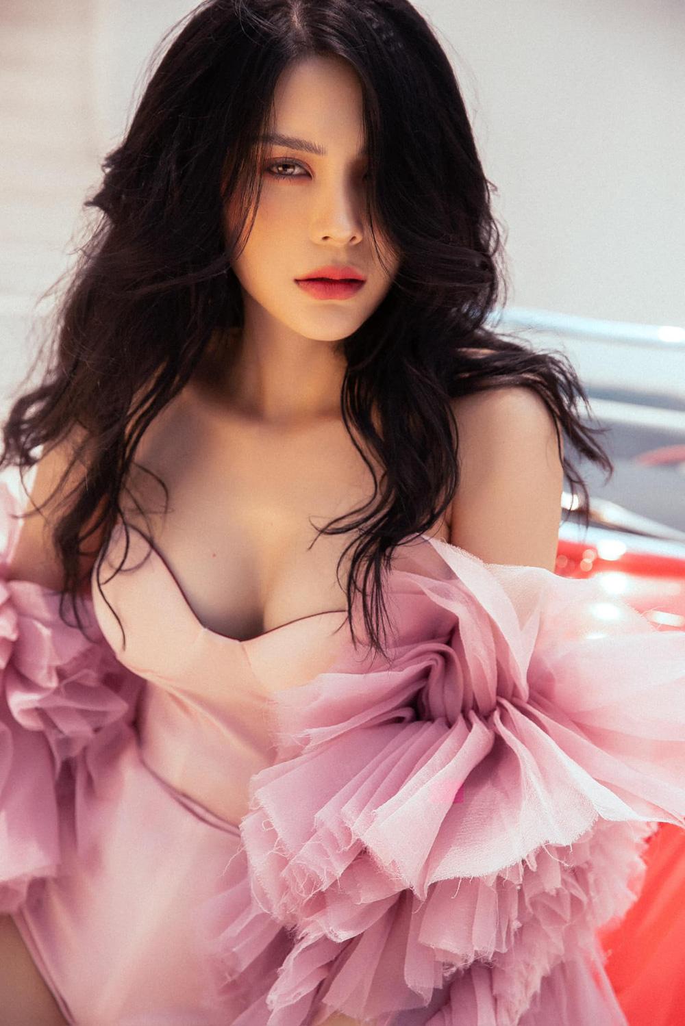 Hậu scandal yêu chung tỷ phú với Ngọc Trinh, Lily Chen: Mây tầng nào gặp mây tầng đó - ảnh 1